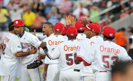 El cuadro dominicano celebró su tercera victoria del torneo regional.