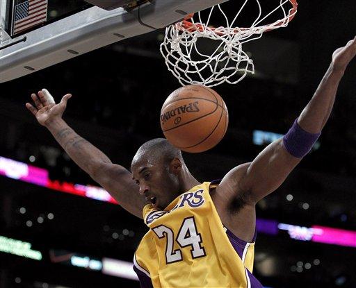 Kobe Bryant se bajó con 30 puntos ante Phoenix.