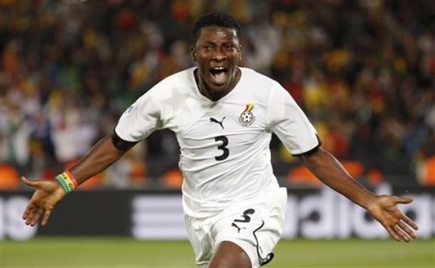 Asamoah Gyan marcó los dos tantos de Ghana de penal.