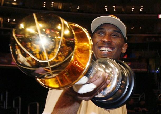Kobe Bryant logró su quinto título y fue el Más Valioso.