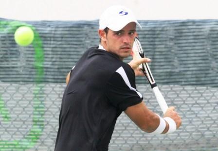 Román Recarte avanzó a la segunda ronda del torneo.