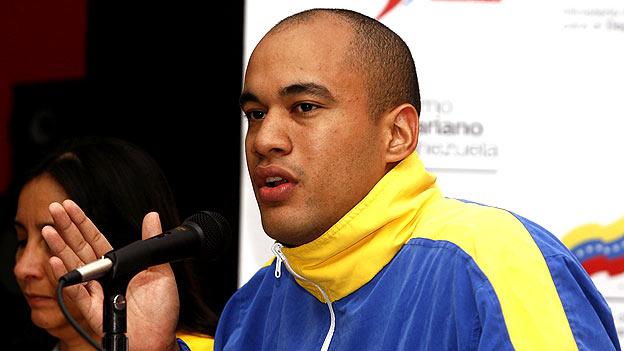 Héctor Rodríguez, ministro del deporte, anunció la medida.