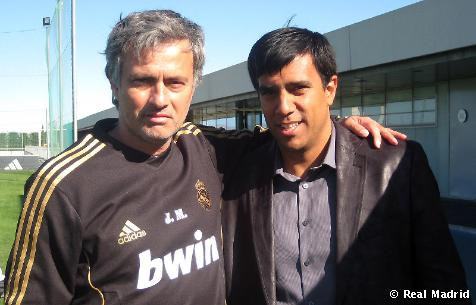 José Mourinho recibió al seleccionador venezolano César Farías.
