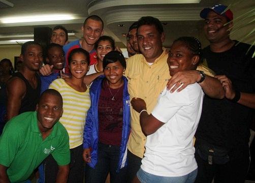 Pablo Pérez visitó a la delegación de atletismo del estado Zulia.