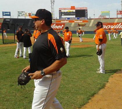 Luis Dorante, mánager de las Águilas, anunció su line up. Foto: Jimmy Pirela.