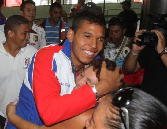 Ponce recibió el cariño de sus familiares.