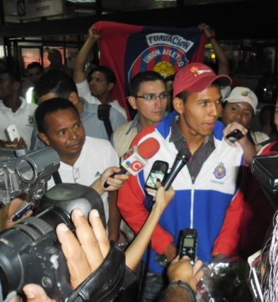 Ponce atendió a los medios de comunicación.