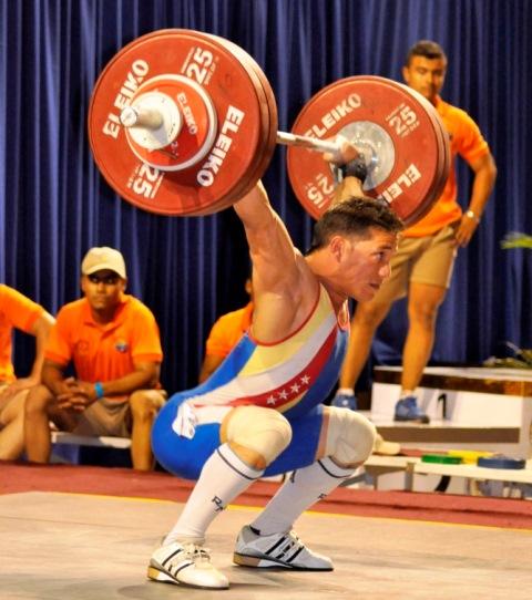 Junior Sánchez estableció un récord nacional.