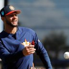 Yuli Gurriel se reincorporó a Astros tras cirugía