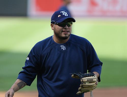El careta Dioner Navarro viene de un pésimo año con Tampa Bay.