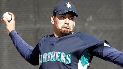 El derecho Carlos Silva peleará por un puesto en la rotación de los Cubs.