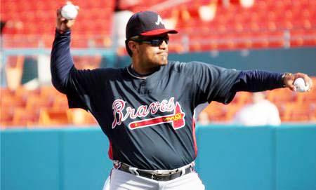 El ex mánager de Águilas suena para dirigir a Atlanta en el 2011.
