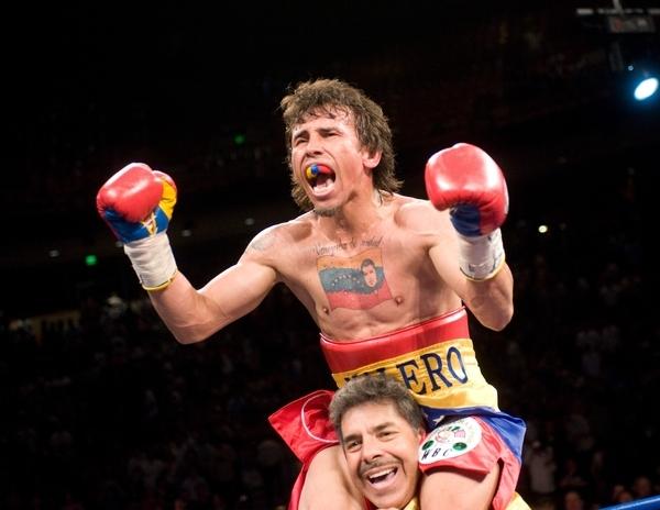 El venezolano Edwin Valero llegó a 27 triunfos en igual cantidad de peleas.