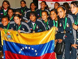 Las nuevas heroínas del deporte nacional llegaron este viernes a Maiquetía.