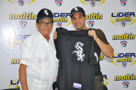 Omar Vizquel jugará en el 2010 con los Medias Blancas y su número será el 11 de Luis Aparicio.
