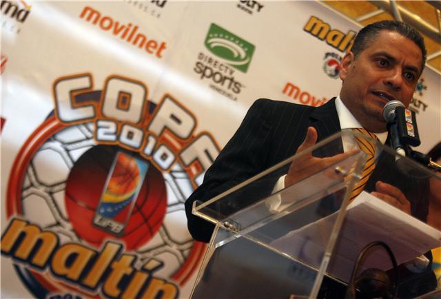 El presidente ejecutivo de la LPB, Rolando Urdaneta, dio detalles de las reglas.