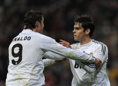 Cristiano Ronaldo y Kaká guiaron la paliza de los blancos.