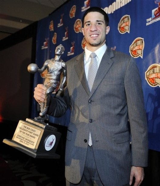 Greivis Vásquez posó con su trofeo.
