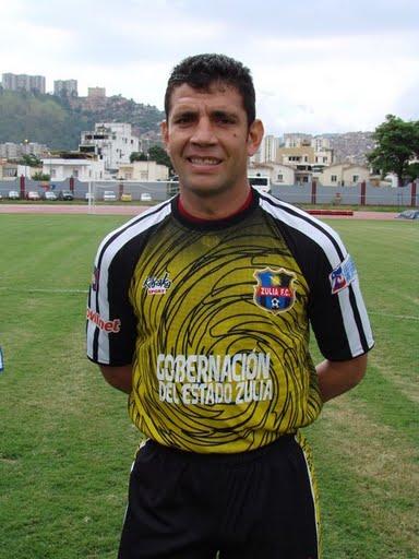 El experimentado portero quiere ir a una copa internacional con el Zulia.