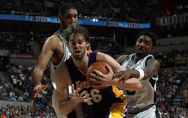 El centro de los Lakers quiere otro anillo.