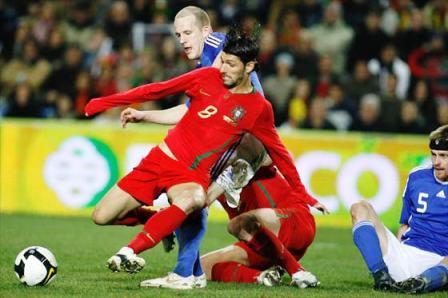 Danny Alves juega con la selección de Portugal.