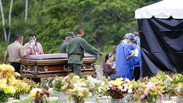 El cadáver de Edwin Valero fue analizado por expertos.