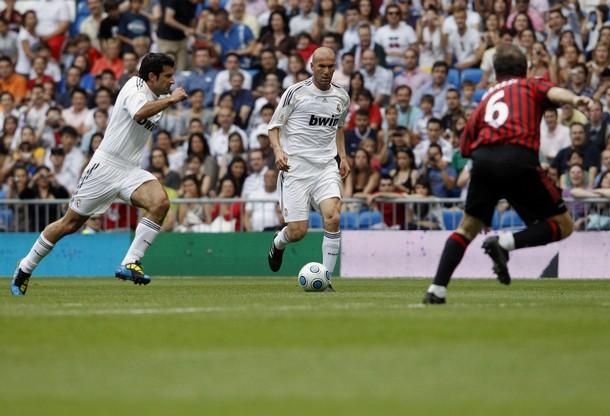 Luis Figo y Zinedine Zidane volvieron a vestir de blanco.
