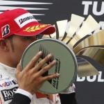 """Hamilton """"toreó"""" a los Red Bulls y ganó en Turquía"""