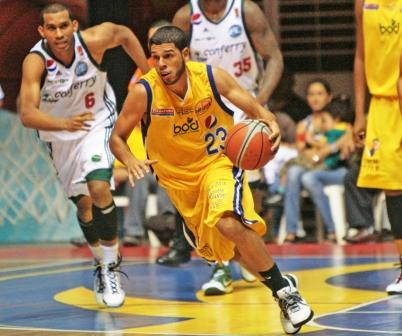 El dominicano Manny Quezada apenas marcó 10 tantos.