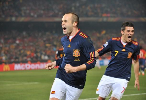 Andrés Iniesta marcó el segundo tanto español. David Villa abrió la cuenta.