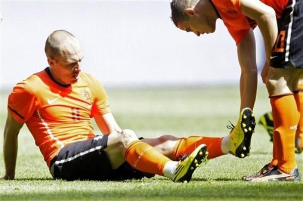Arjen Robben perderá el choque ante Dinamarca.