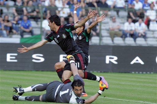 Carlos Vela marcó el primero para los mexicanos.