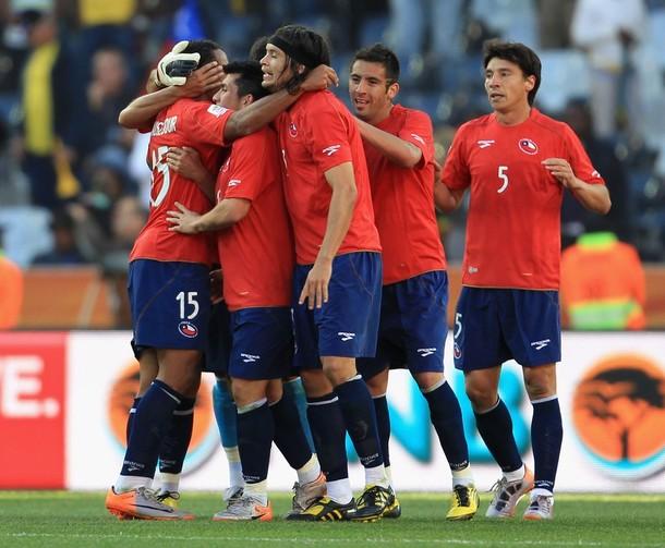 Los chilenos celebraron el tanto de Beausejour.