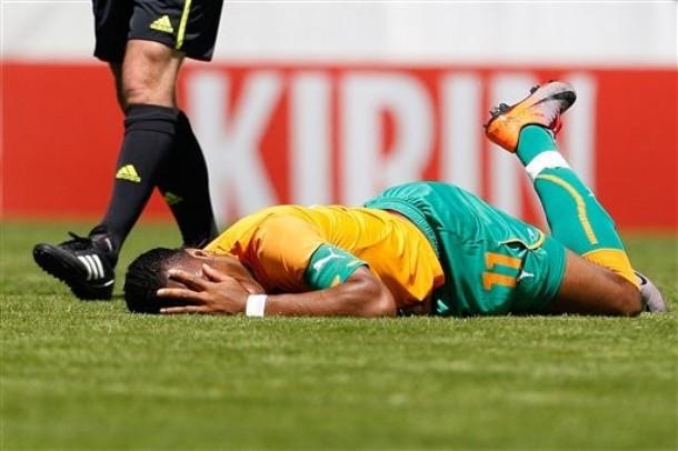 Didier Drogba se fracturó el brazo en un amistoso contra Japón.