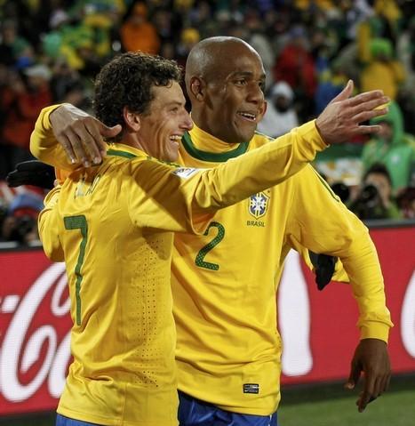 Elano y Maicon anotaron los tantos de los brasileños.