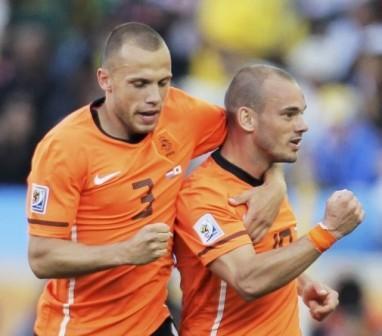 Wesley Sneijder marcó el tanto holandés para su segundo triunfo.