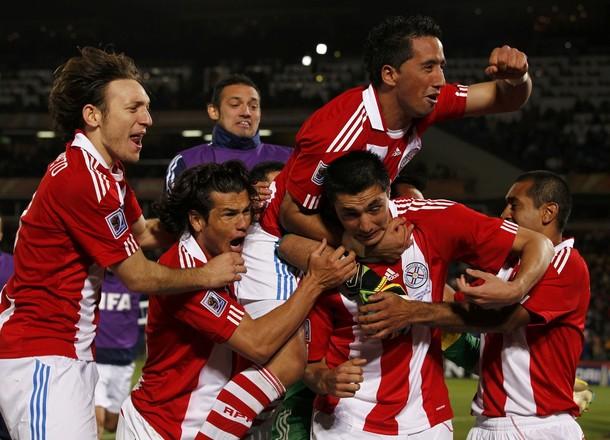 Los paraguayos celebraron su primer pase a cuartos en su historia.