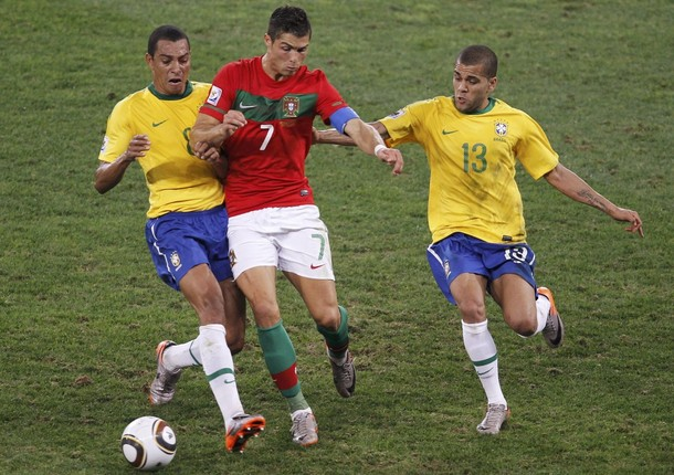 Brasileños y lusitanos tuvieron un partido muy trabado.