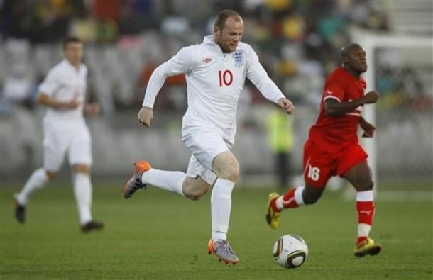 El astro Wayne Rooney tiene que aparecer para los ingleses.