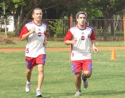 Los argentinos Daniel Cotello y Pablo Mombiela son los importados del UAM.
