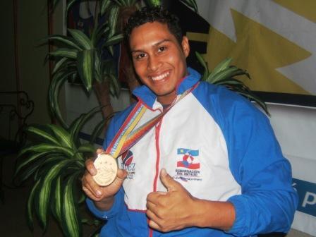 El zuliano Leomar Albarran conquistó par de medallas de plata en las pesas.