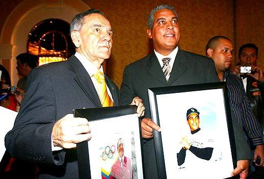 Leonardo Rodríguez y Andrés Galarraga reconocidos por el CPD. Foto: Ángel Obertein/Líder