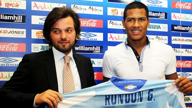 Salomón Rondón recibió su nueva camiseta y ya hoy marcó sus primeros goles.
