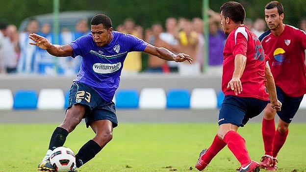 Salomón Rondón ya empezó a mover las redes con su nuevo equipo.