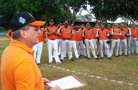 Luis Rodolfo Machado, gerente de Águilas, dio las palabras de bienvenida.