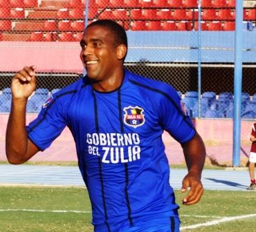 Edgar Rito marcó doblete contra el Venezuela.