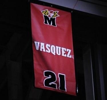 La Universidad retiró el número 21 que usó el venezolano.