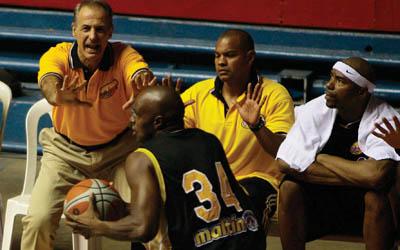El entrenador Héctor Santini le dio otra imagen a Gaiteros.