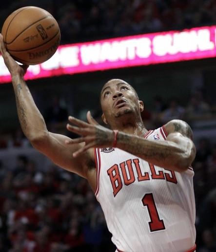 Derrick Rose condujo a los Bulls de Chicago.