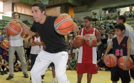 Greivis Vásquez ha dictado clínicas a niños y jóvenes en Caracas.